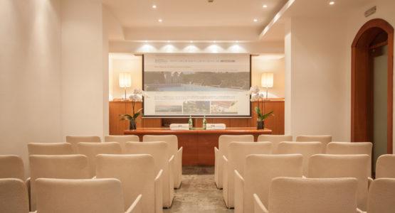 sala_meeting_marina_di_massa_hotel_excelsior