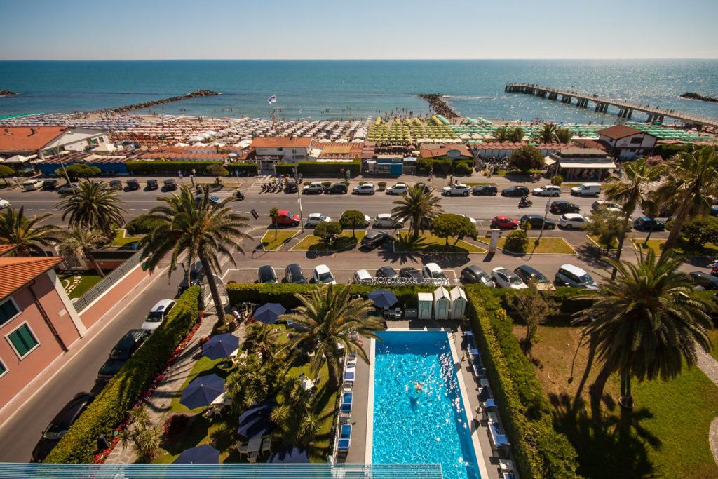 Matrimonio Spiaggia Marina Di Massa : Hotel stelle marina di massa excelsior